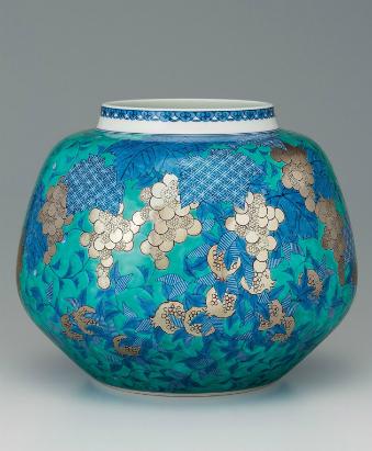 色絵緑地藍色墨はじき果実草花文花瓶