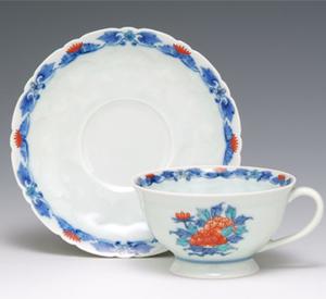 花絵置上紅茶碗