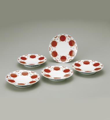 色鍋島赤玉瓔珞文銘々皿
