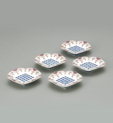 色鍋島瓔珞文皿